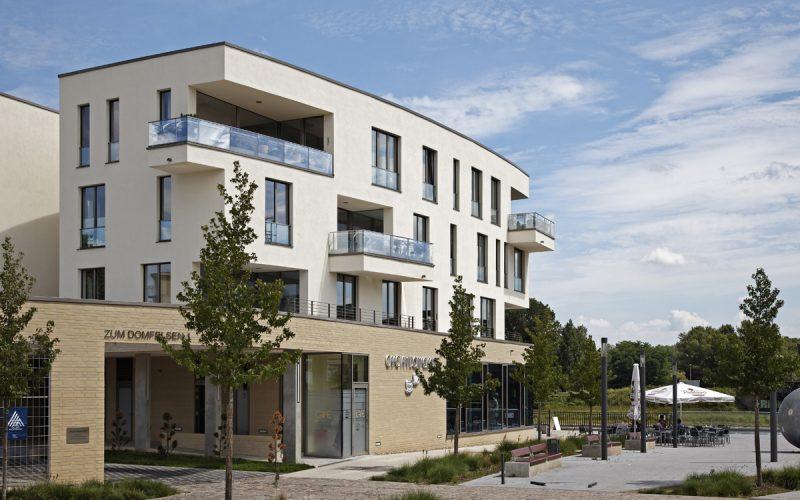 DEU, Deutschland, Sachsen-Anhalt, Magdeburg, Wohn- und Geschaeftshaus